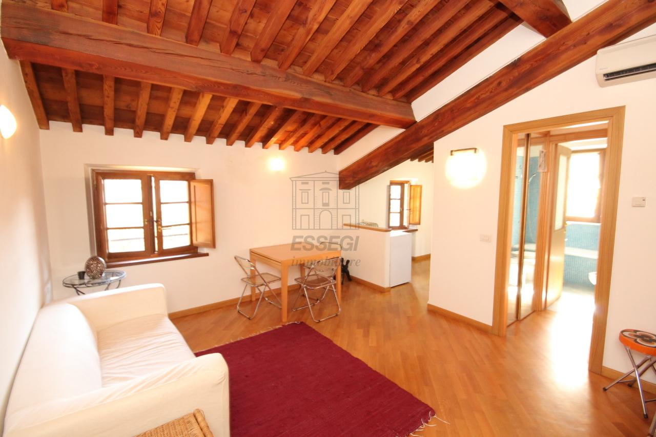 affitto appartamento lucca   550 euro  2 locali  48 mq