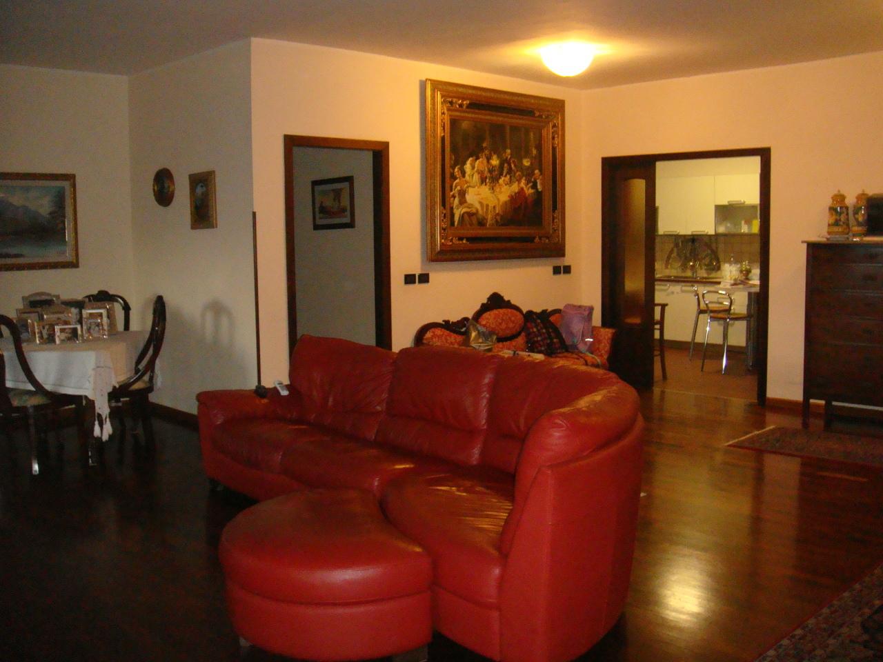 Appartamento in vendita a Villa San Giovanni, 4 locali, prezzo € 135.000 | CambioCasa.it