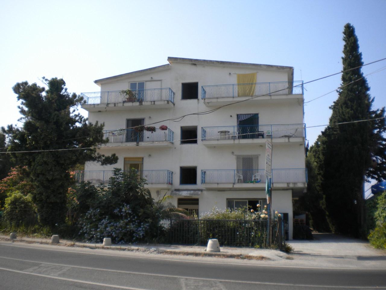 Appartamento in vendita a Condofuri, 3 locali, prezzo € 80.000 | Cambio Casa.it