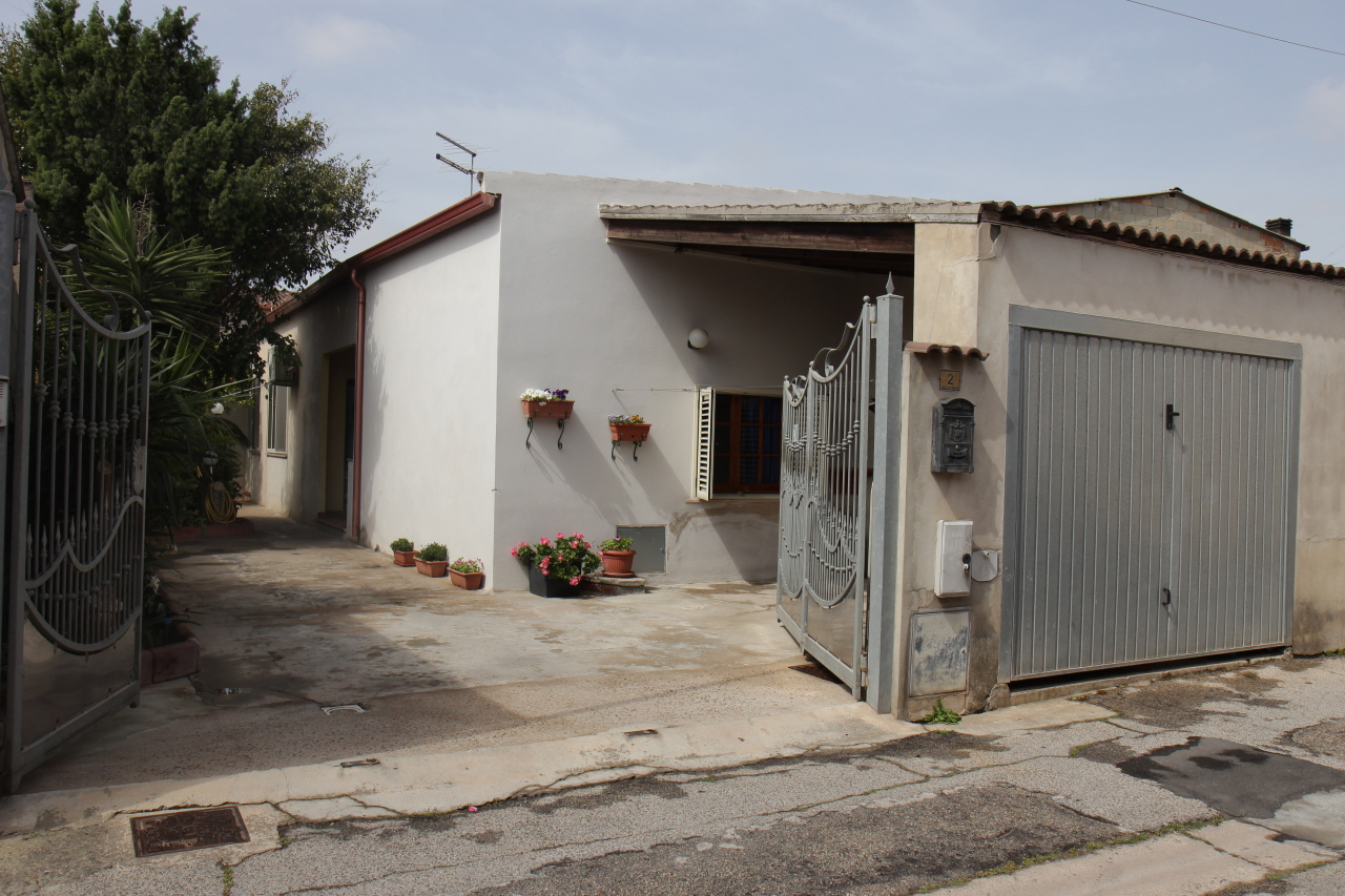 Soluzione Indipendente in vendita a Uta, 3 locali, prezzo € 110.000 | CambioCasa.it
