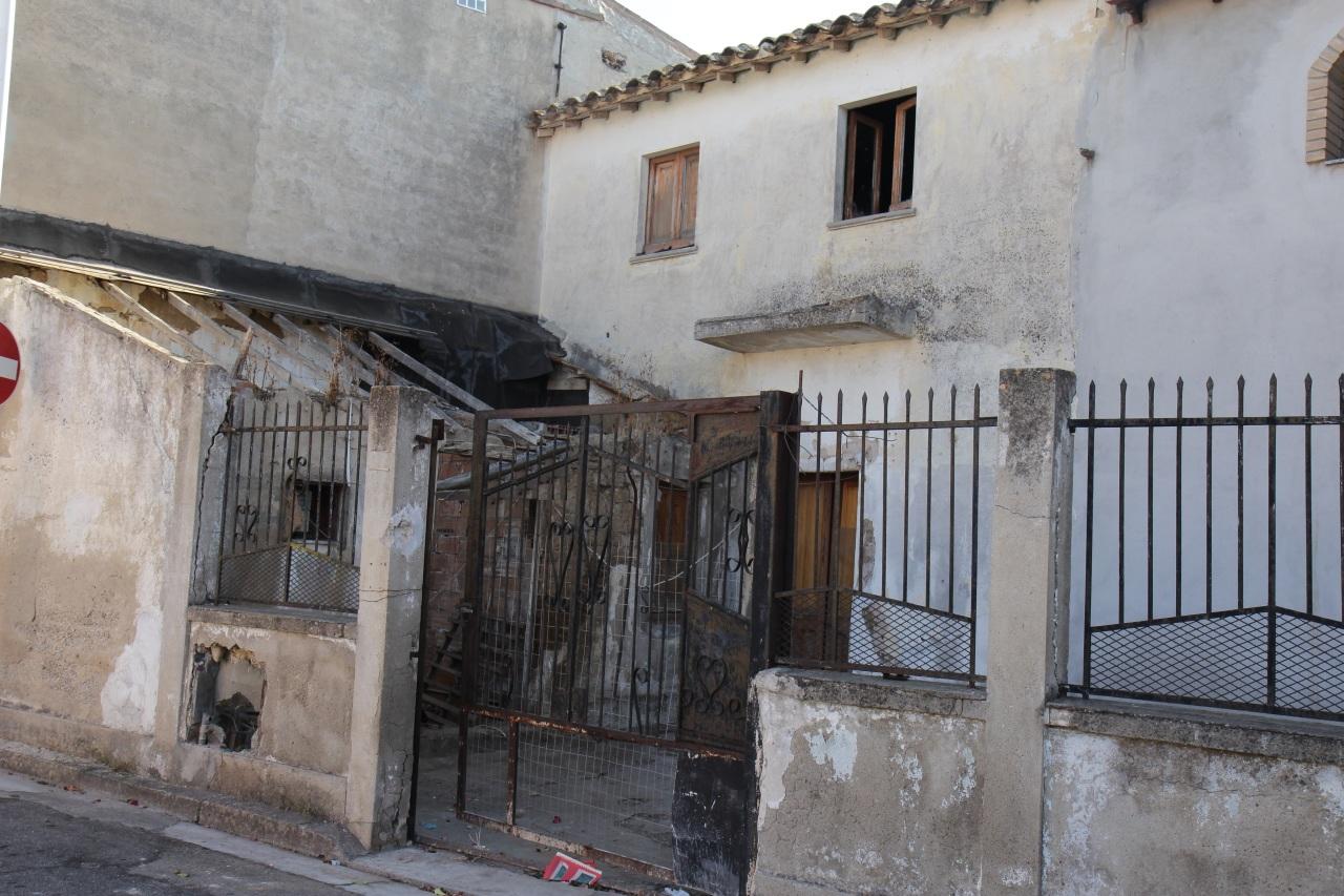 Soluzione Indipendente in vendita a Decimomannu, 5 locali, prezzo € 75.000 | CambioCasa.it
