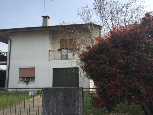 Soluzione Indipendente in vendita a Castelfranco Veneto, 5 locali, prezzo € 188.000   CambioCasa.it