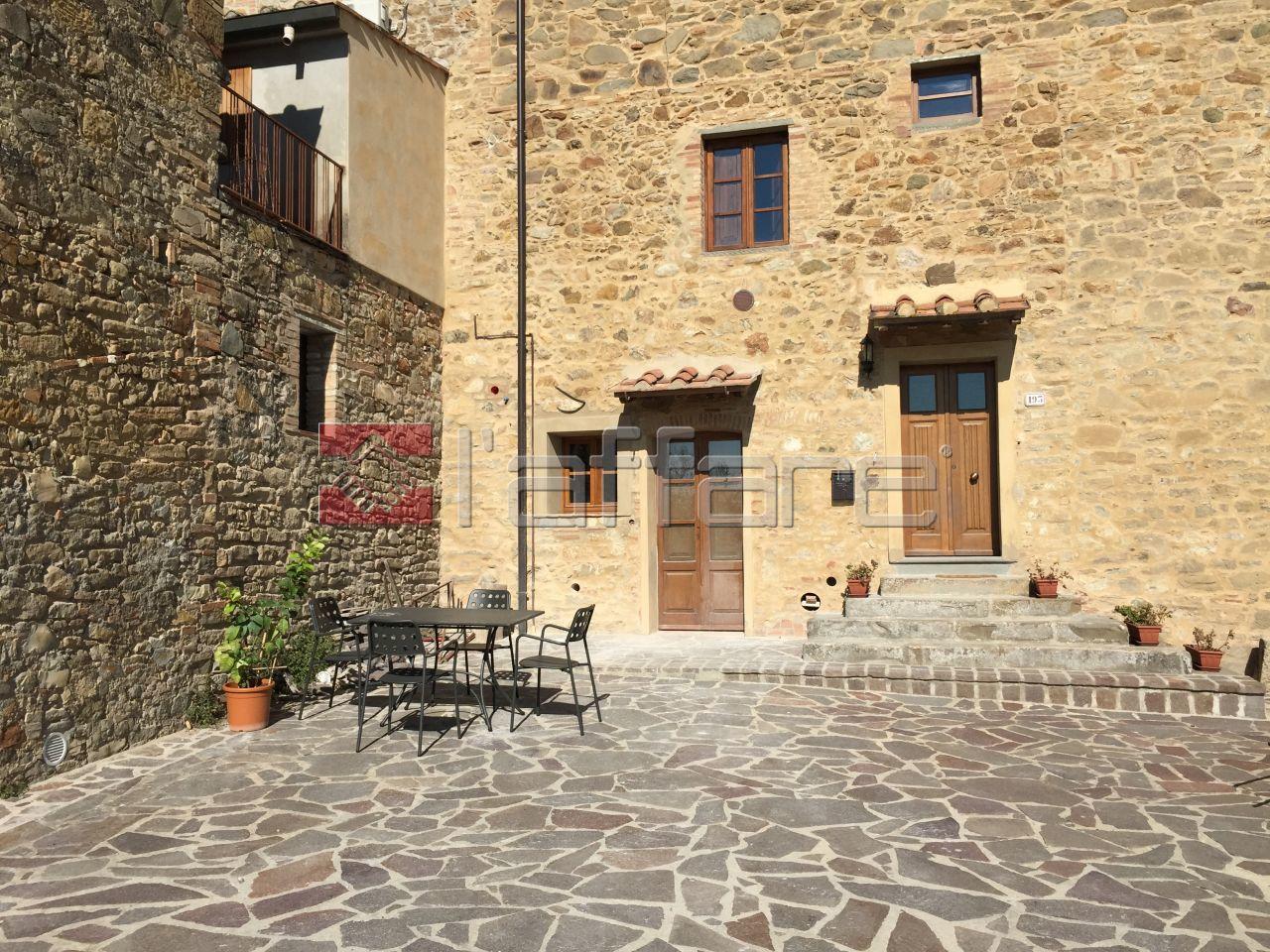 Appartamento in vendita a Chianni, 4 locali, prezzo € 189.000 | Cambio Casa.it