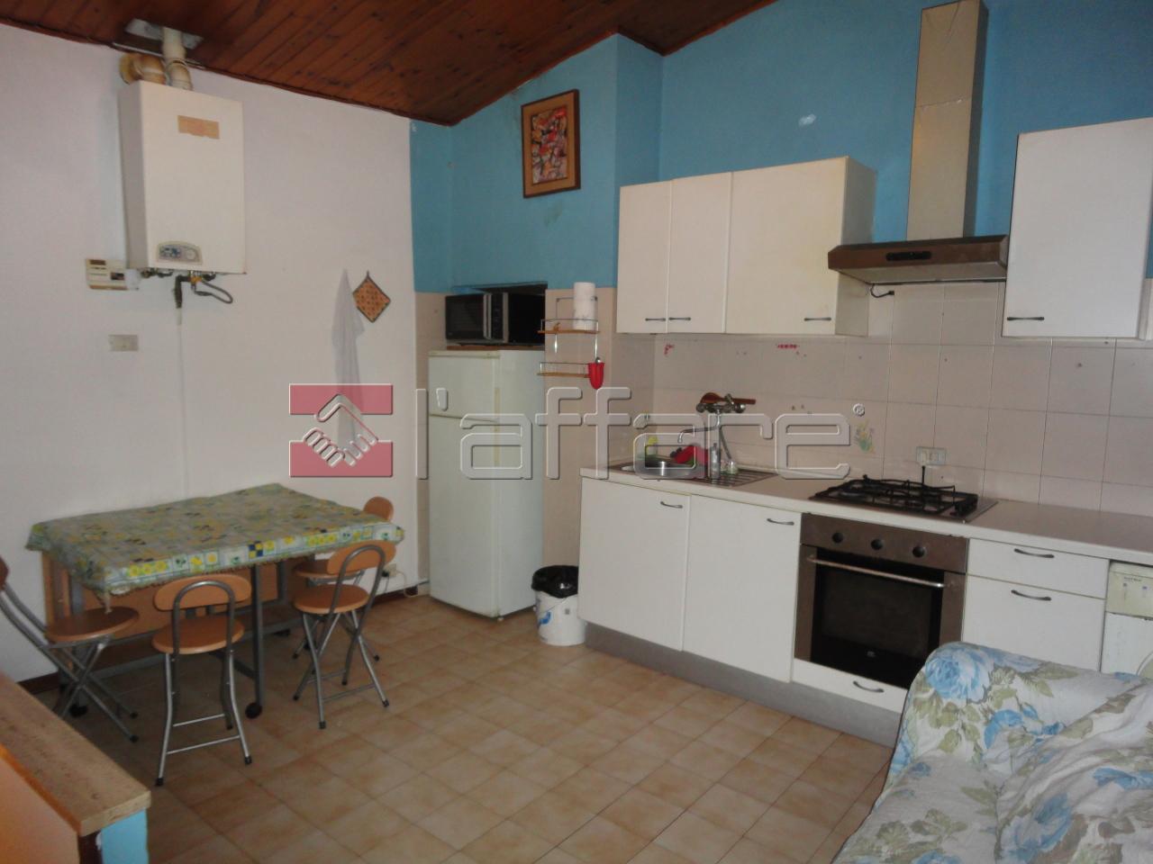 Appartamento in affitto a Crespina Lorenzana, 2 locali, prezzo € 300 | Cambio Casa.it