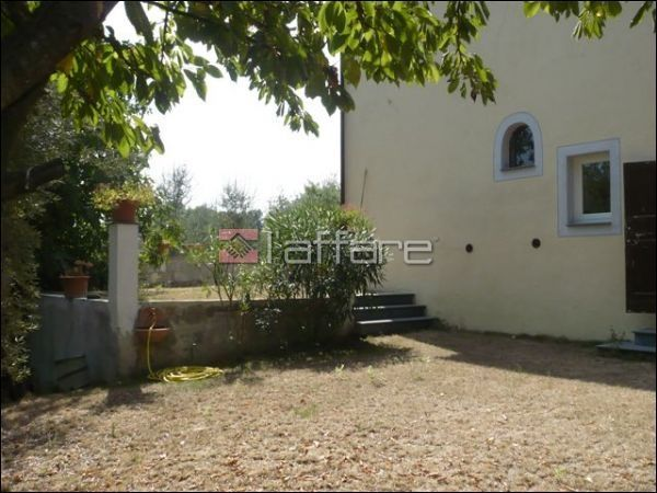 Rustico / Casale in vendita a Crespina Lorenzana, 8 locali, prezzo € 450.000 | CambioCasa.it