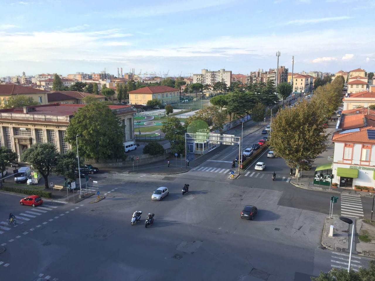 Bilocale Livorno Viale Alfieri 1