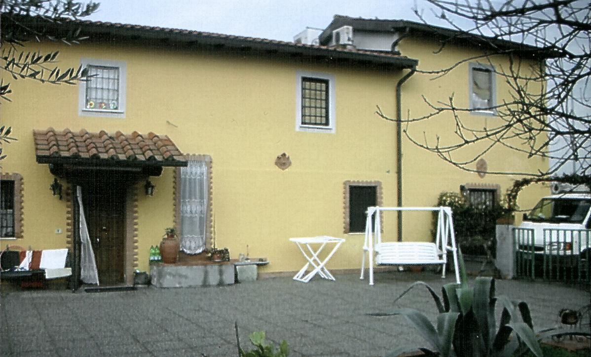Villa in vendita a Ponte Buggianese, 6 locali, prezzo € 320.000 | Cambio Casa.it