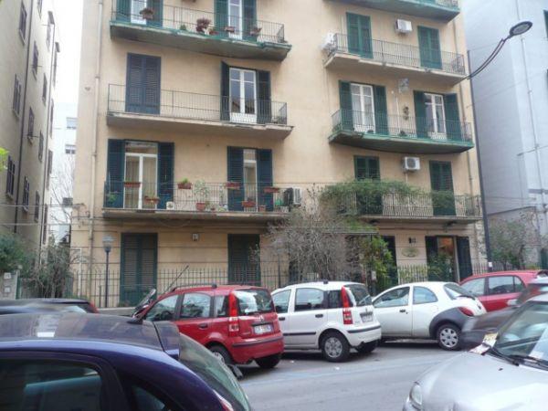 Ufficio / Studio in affitto a Palermo, 5 locali, prezzo € 600 | Cambio Casa.it