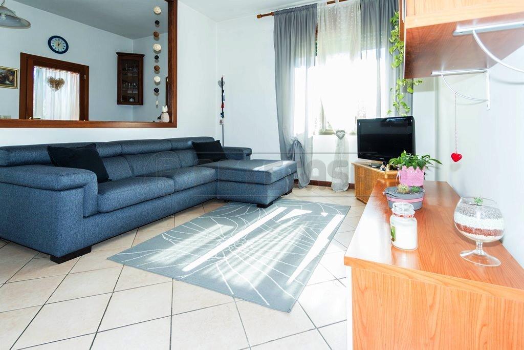 Appartamento in vendita a Mason Vicentino, 3 locali, prezzo € 60.000 | Cambio Casa.it