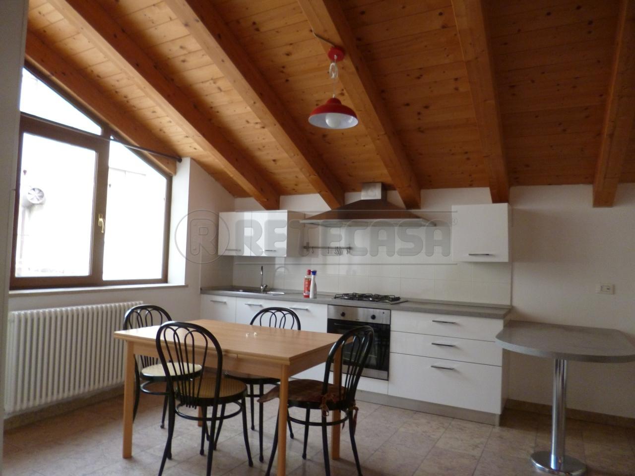 Soluzione Semindipendente in affitto a Gambellara, 4 locali, prezzo € 400   Cambio Casa.it