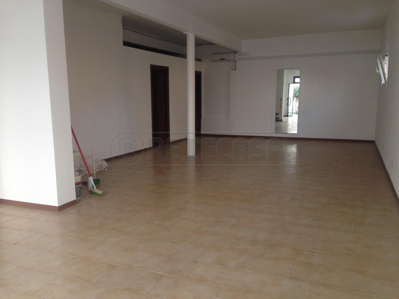 Negozio / Locale in affitto a Spinea, 9999 locali, prezzo € 1.200 | Cambio Casa.it