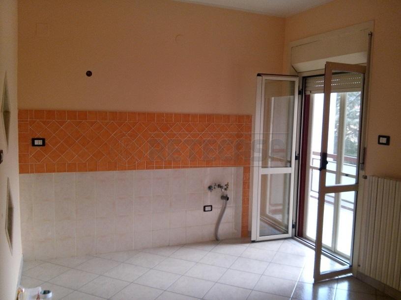 Appartamento in vendita a Mercato San Severino, 4 locali, prezzo € 178.000 | Cambio Casa.it