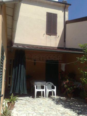 Bilocale Viareggio Via Pellico 00 4