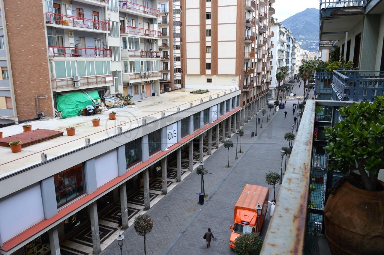 Appartamento, 190 Mq, Vendita - Salerno (Salerno)