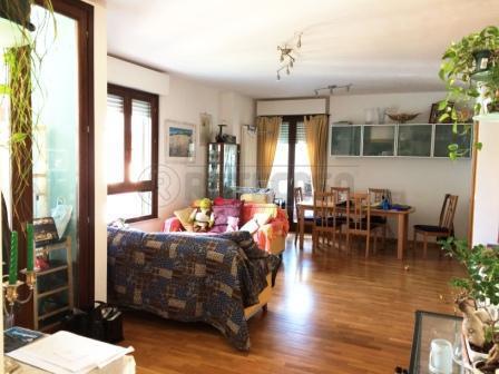 Appartamento in vendita a Pescara, 4 locali, prezzo € 310.000 | Cambio Casa.it