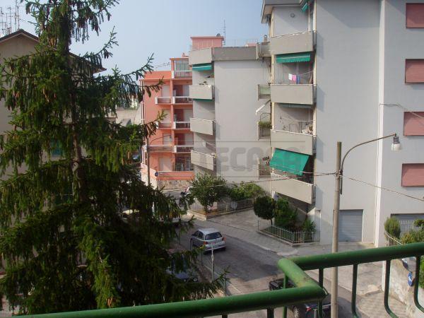 Bilocale Ancona Via Cingoli 7