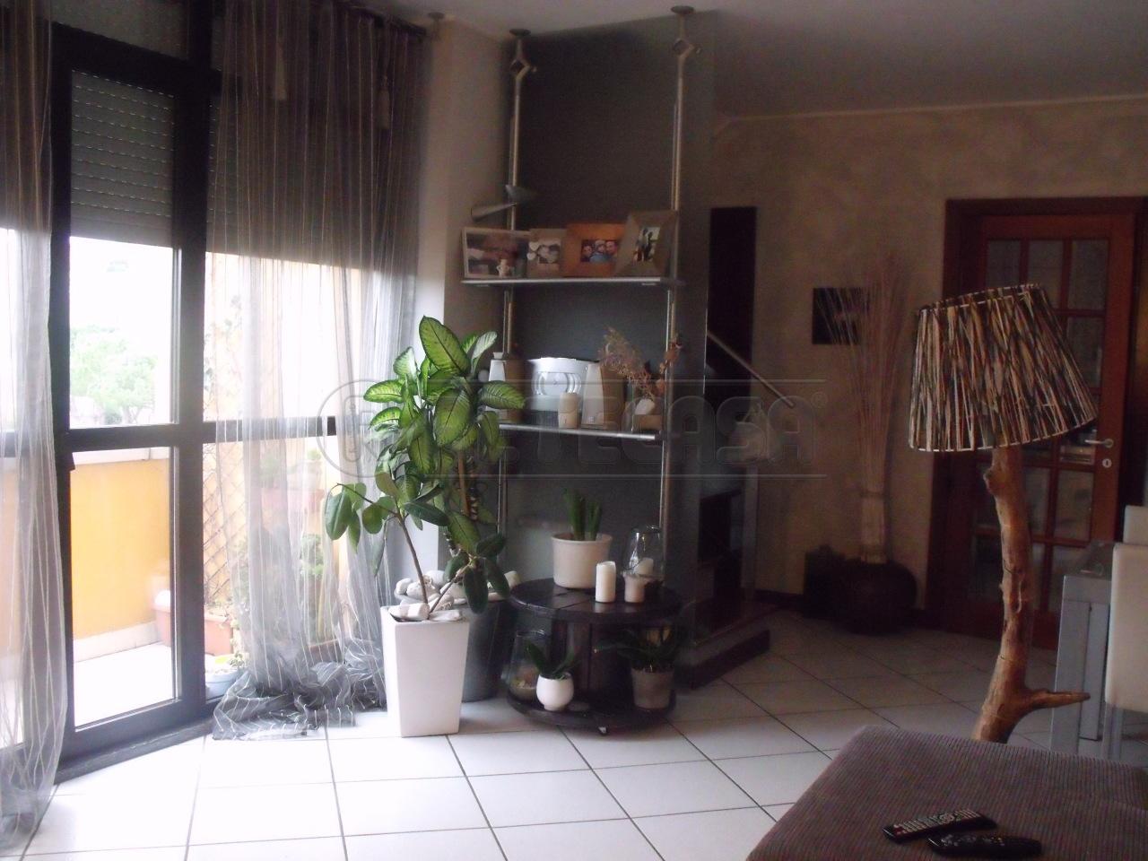 Appartamento in vendita a Osimo, 4 locali, prezzo € 140.000 | Cambio Casa.it