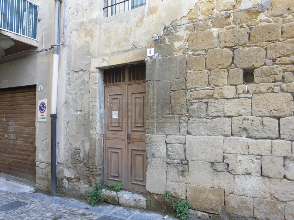 Magazzino in affitto a Caltanissetta, 2 locali, prezzo € 100 | Cambio Casa.it
