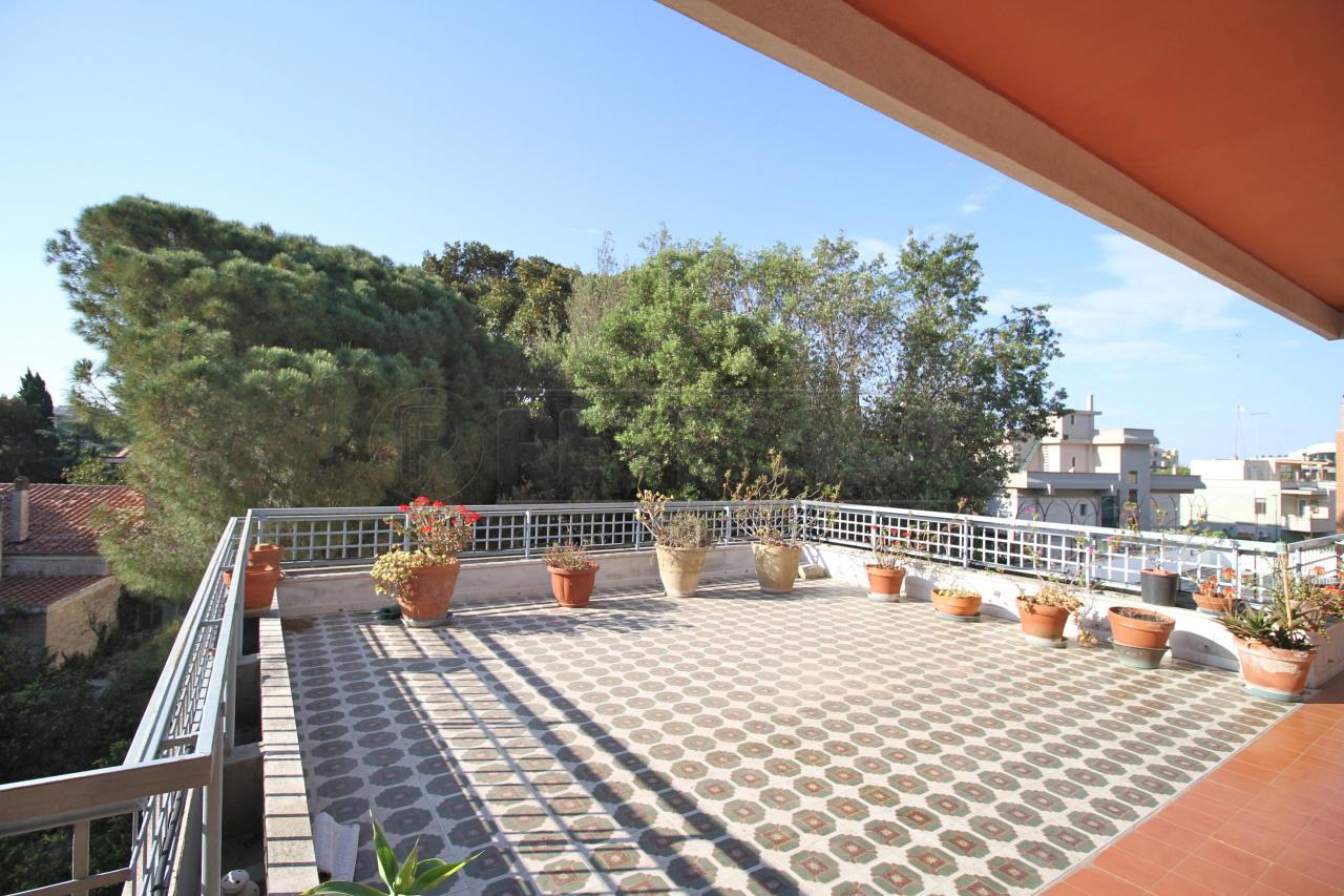 Appartamento in affitto a Lecce, 5 locali, prezzo € 800 | Cambio Casa.it