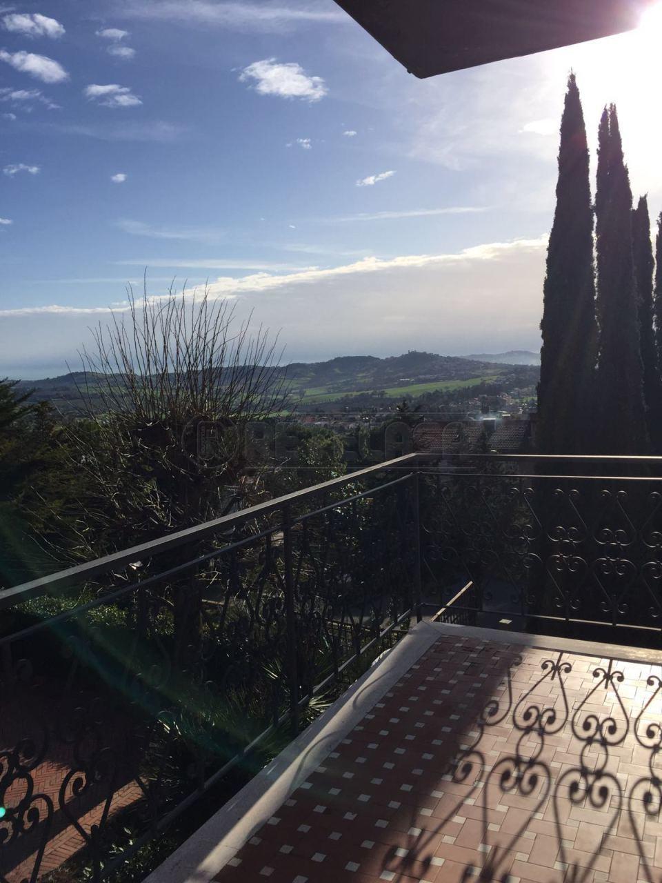 Appartamento in affitto a Osimo, 5 locali, prezzo € 550 | Cambio Casa.it