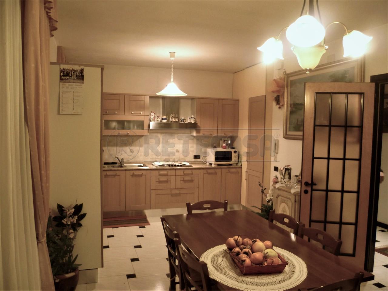 Appartamento in vendita a Malo, 6 locali, prezzo € 98.000 | Cambio Casa.it
