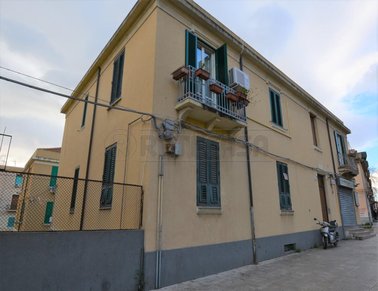 Negozio / Locale in vendita a Messina, 7 locali, prezzo € 315.000 | Cambio Casa.it