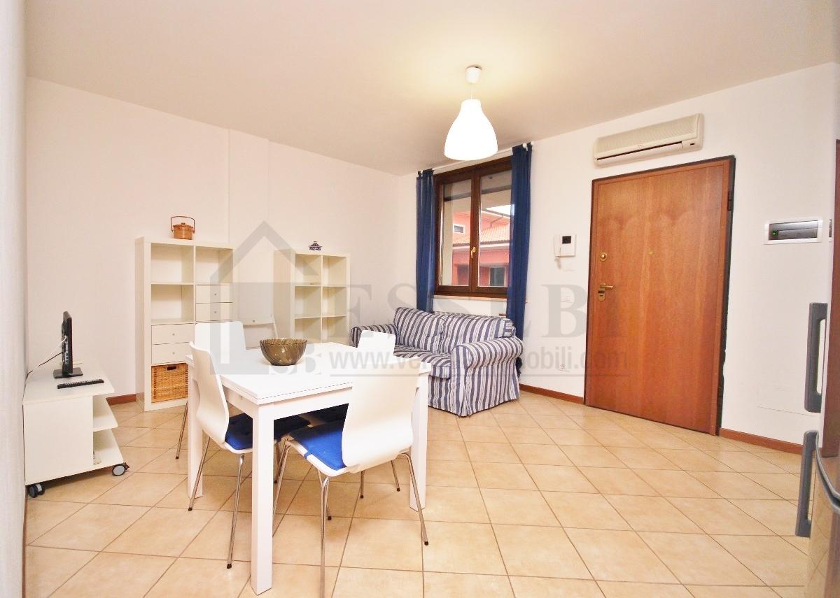 Appartamento in affitto a Pietrasanta, 4 locali, Trattative riservate | CambioCasa.it