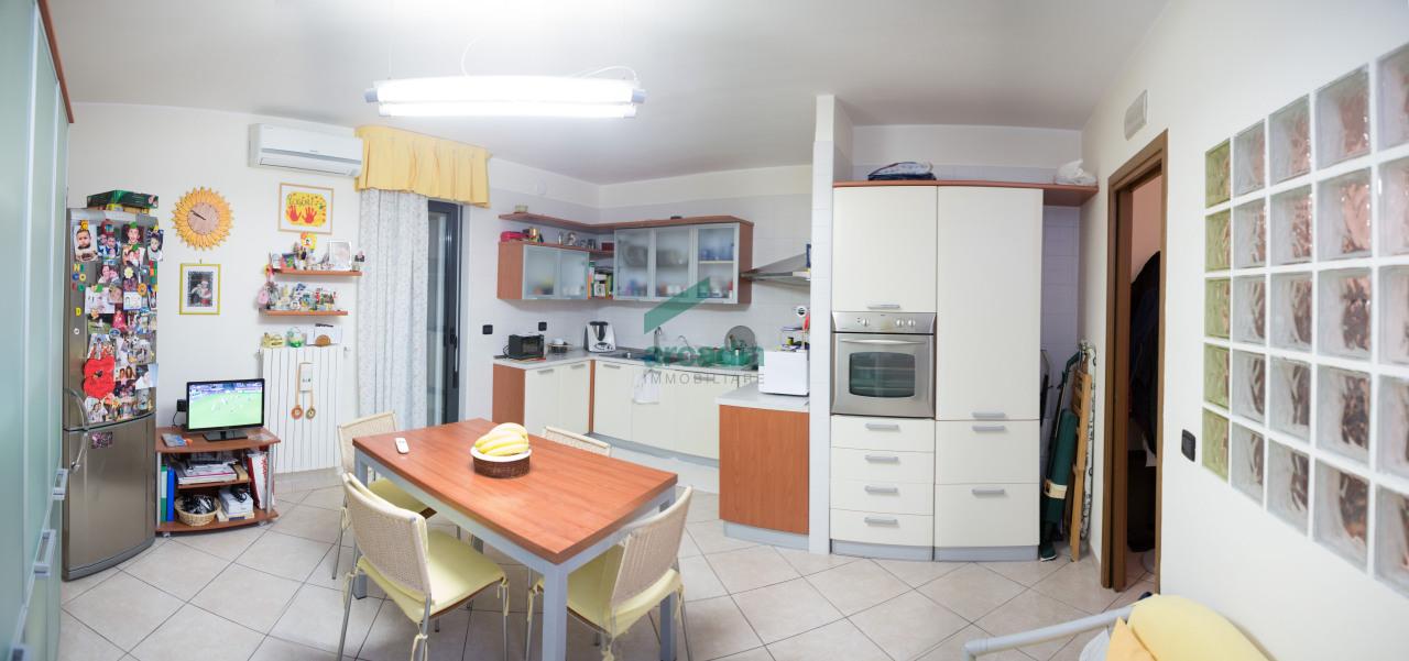 Appartamento in vendita a Bari, 3 locali, prezzo € 170.000 | Cambio Casa.it
