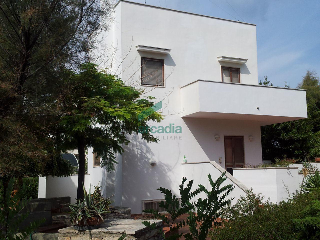Villa in affitto a Bari, 5 locali, prezzo € 1.000   CambioCasa.it