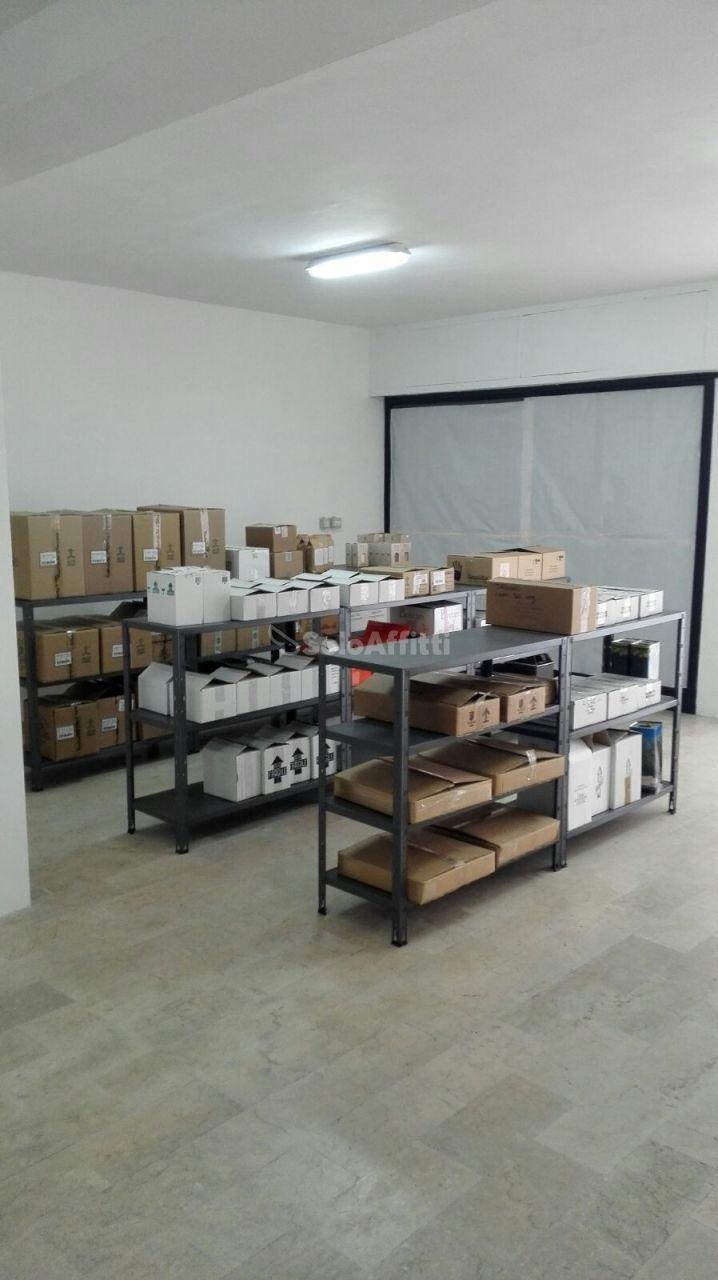 Magazzino in affitto a Montesilvano, 1 locali, prezzo € 300 | Cambio Casa.it