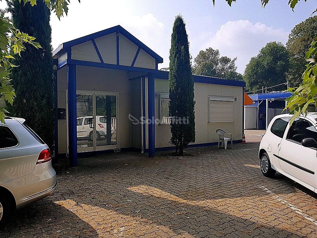 Ufficio diviso in ambienti/locali in affitto - 115 mq