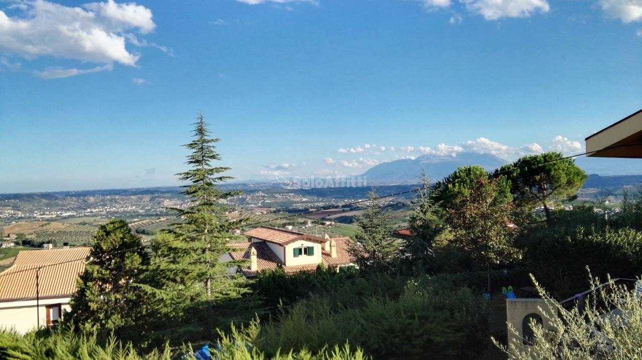 Bilocale Città Sant Angelo Via Travetti 9