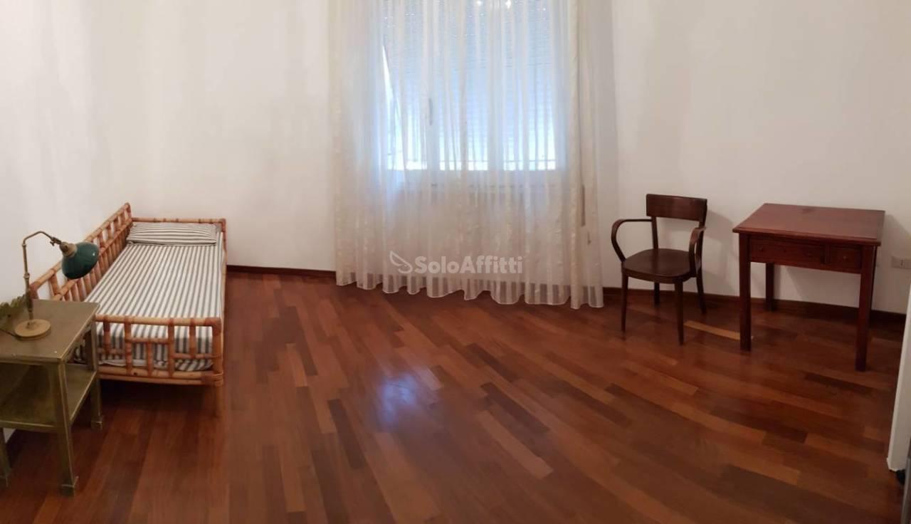 Appartamento, 150 Mq, Affitto - Sassari (Sassari)