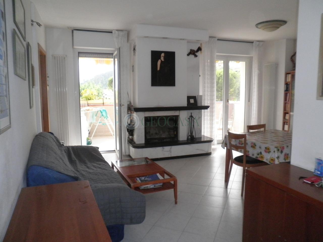 Appartamento in vendita a Vezzano Ligure, 5 locali, prezzo € 205.000 | CambioCasa.it