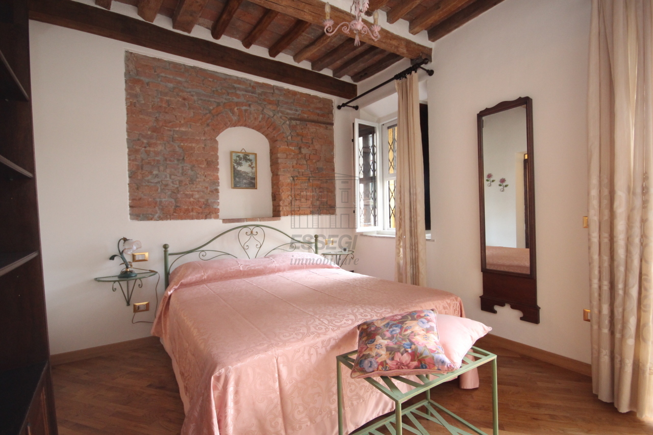 Appartamento Lucca Centro storico IA03309 img 18