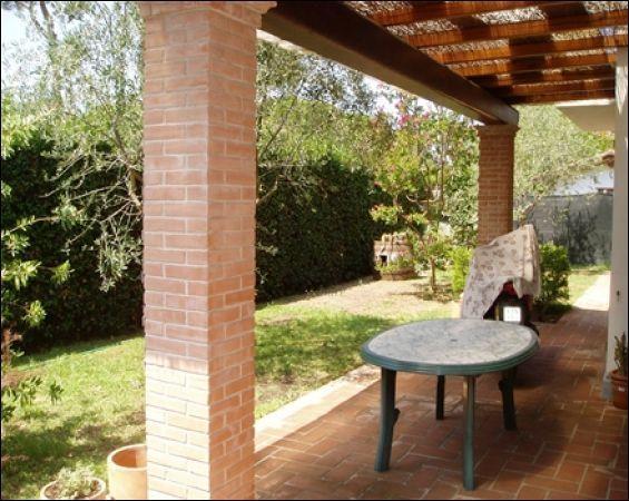 vendita villa pietrasanta   670000 euro  7 locali  140 mq