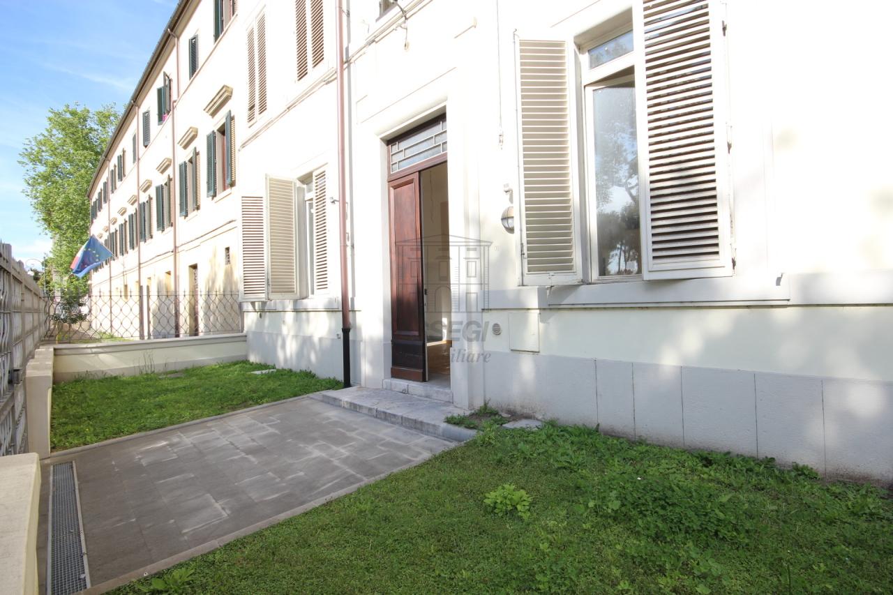 Bilocale Lucca Piazzale Verdi 11