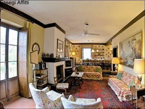 Villa in affitto a Lucca, 15 locali, prezzo € 2.000 | Cambio Casa.it