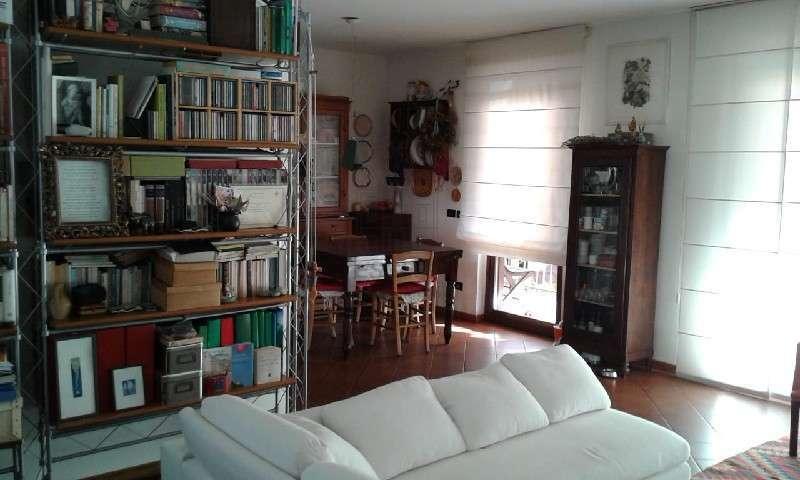 vendita appartamento lucca   155000 euro  5 locali  70 mq