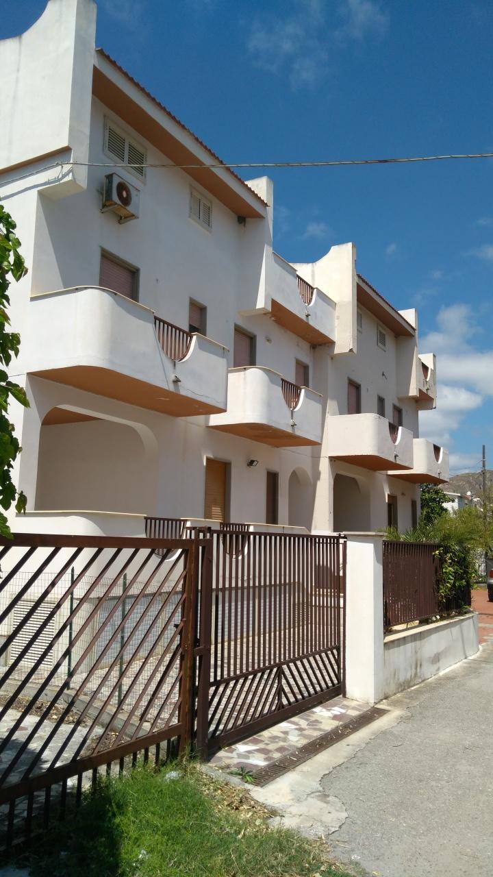 Soluzione Indipendente in vendita a San Lorenzo, 4 locali, prezzo € 165.000 | Cambio Casa.it