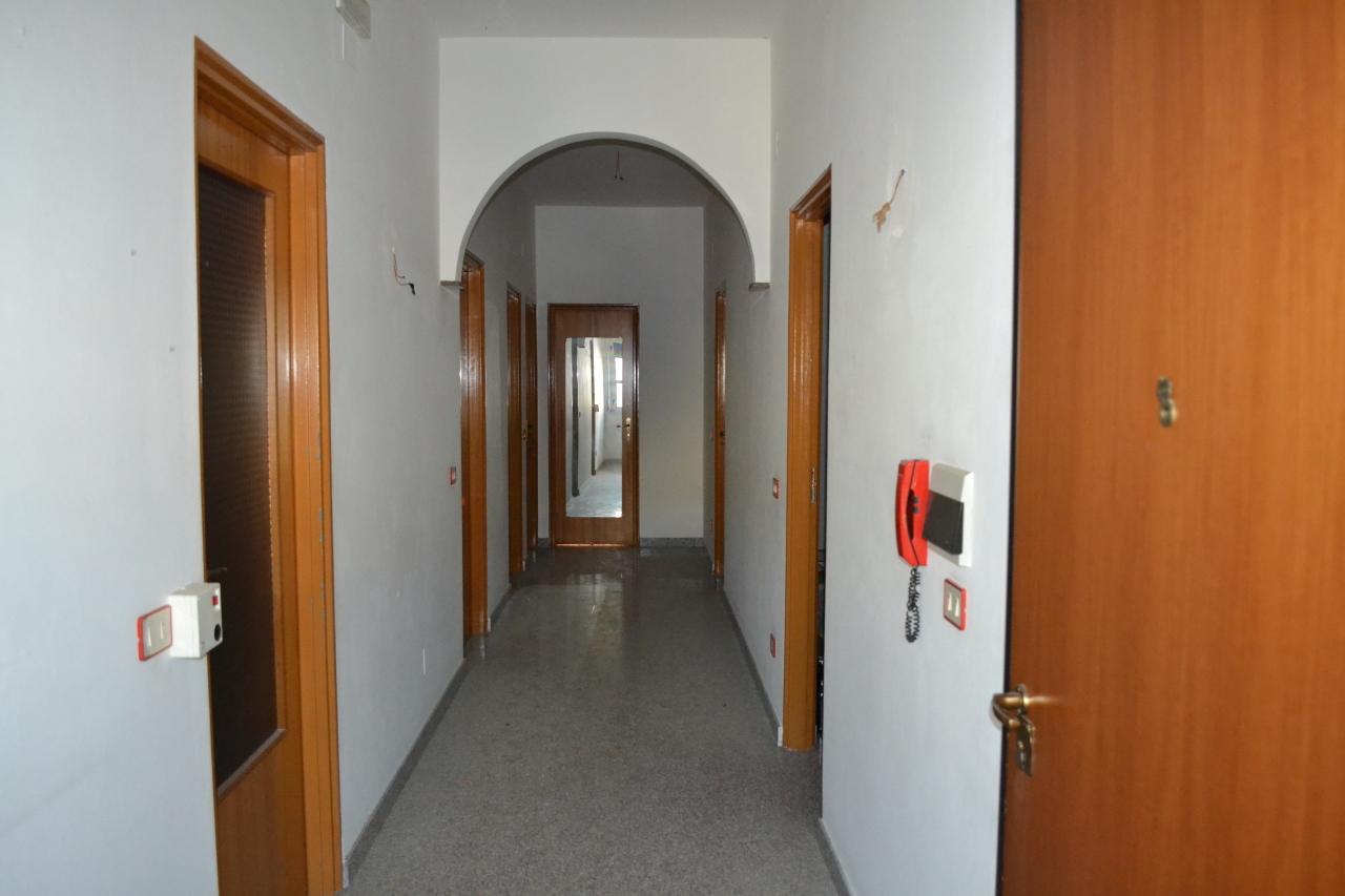 Appartamento in vendita a Motta San Giovanni, 4 locali, prezzo € 78.000 | Cambio Casa.it