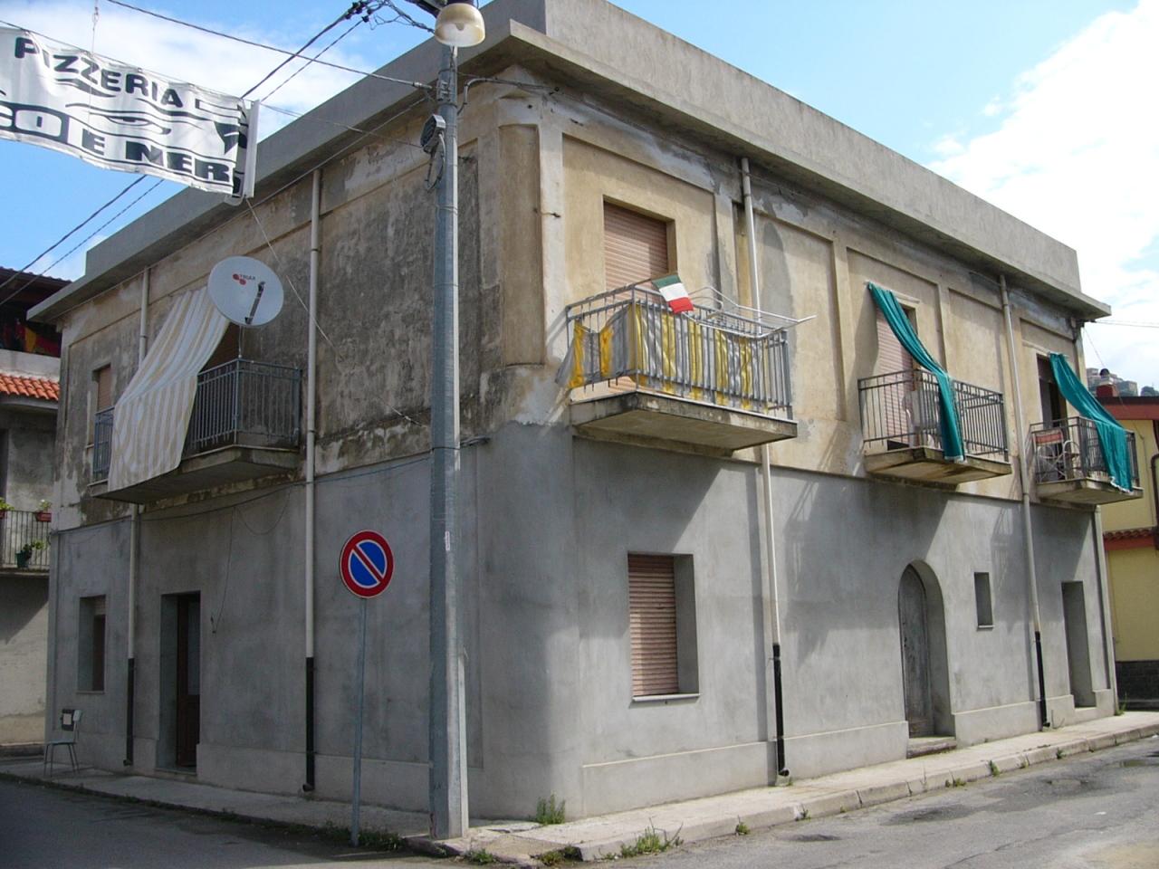 Casa indipendente in vendita a Nicotera (VV)