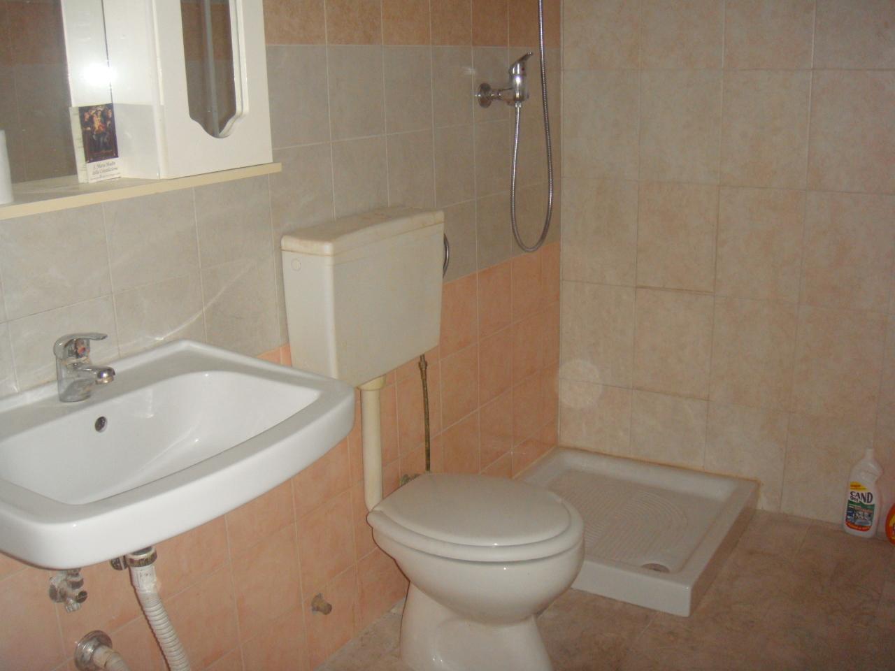 Magazzino in affitto a Reggio Calabria, 1 locali, prezzo € 300   Cambio Casa.it
