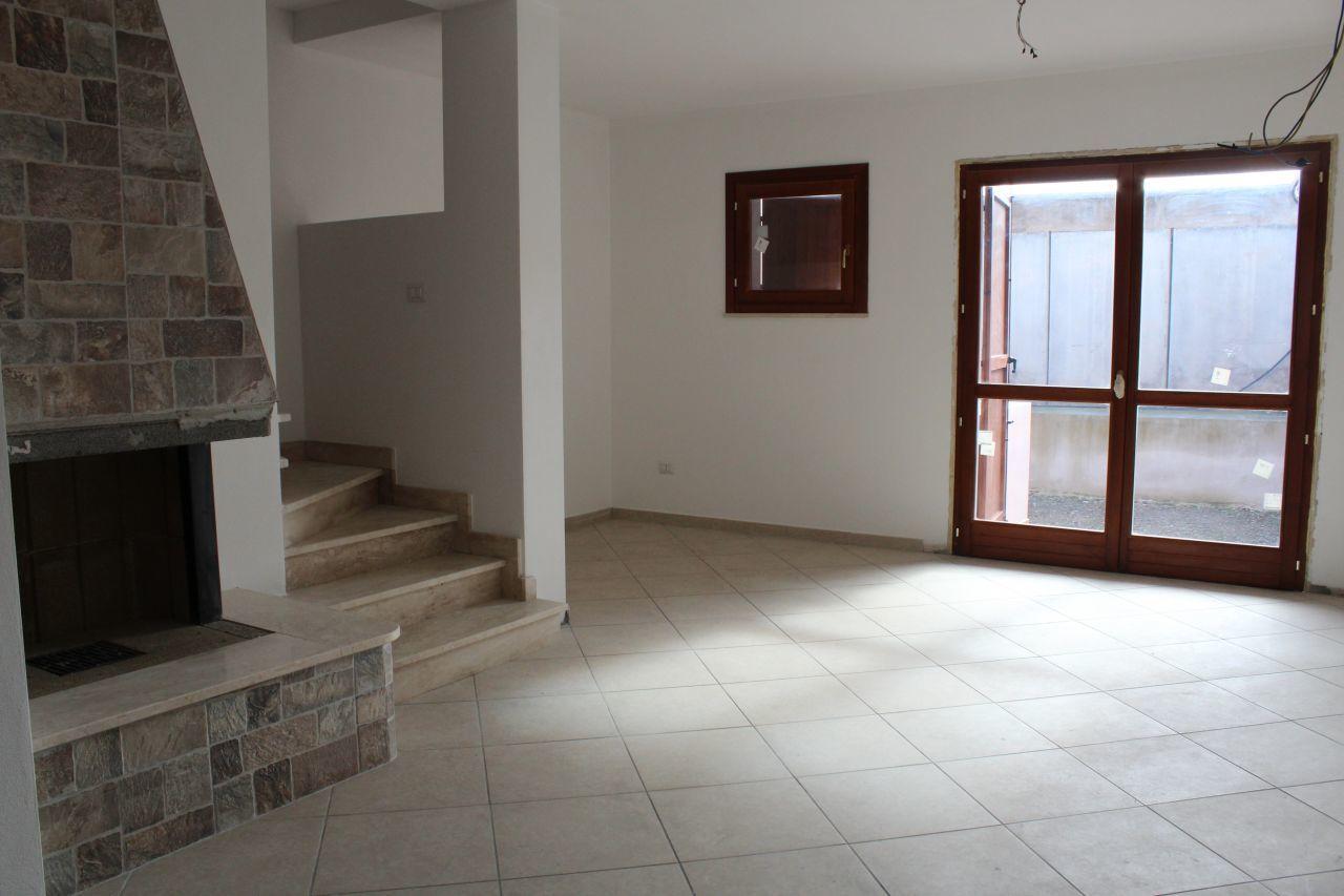 Villa a Schiera in vendita a Monastir, 4 locali, prezzo € 145.000 | Cambio Casa.it