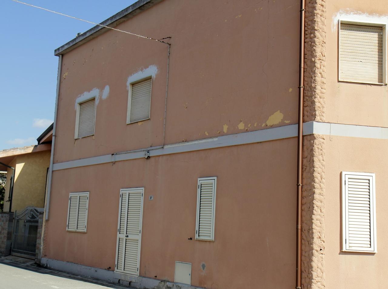 Soluzione Indipendente in vendita a Villasor, 3 locali, prezzo € 62.000 | CambioCasa.it