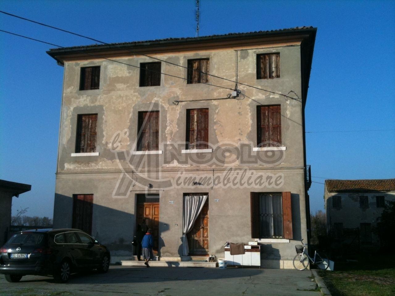 Soluzione Indipendente in vendita a Fiesso Umbertiano, 5 locali, prezzo € 48.000 | Cambio Casa.it