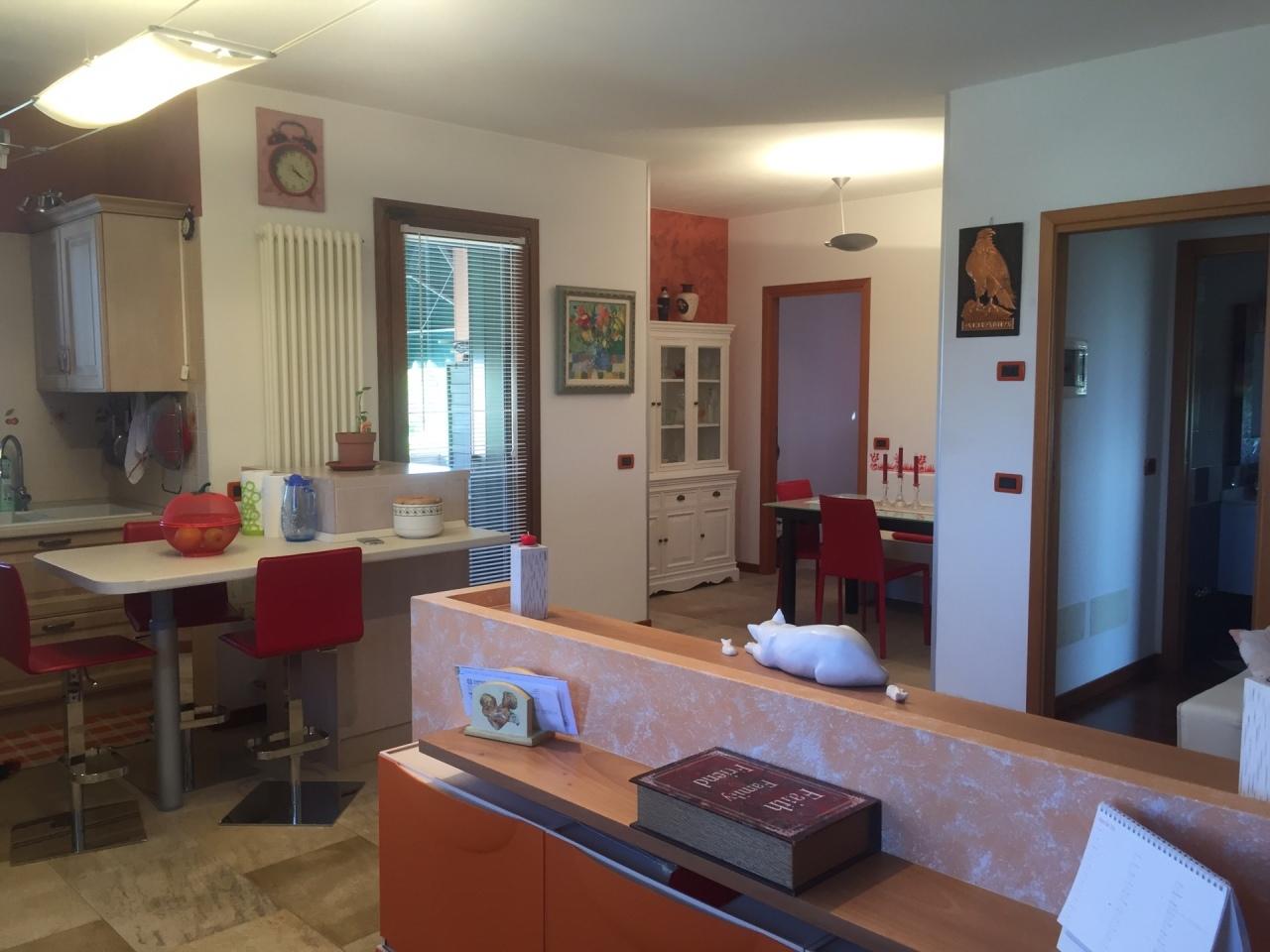Appartamento in vendita a Vedelago, 5 locali, prezzo € 160.000 | Cambio Casa.it