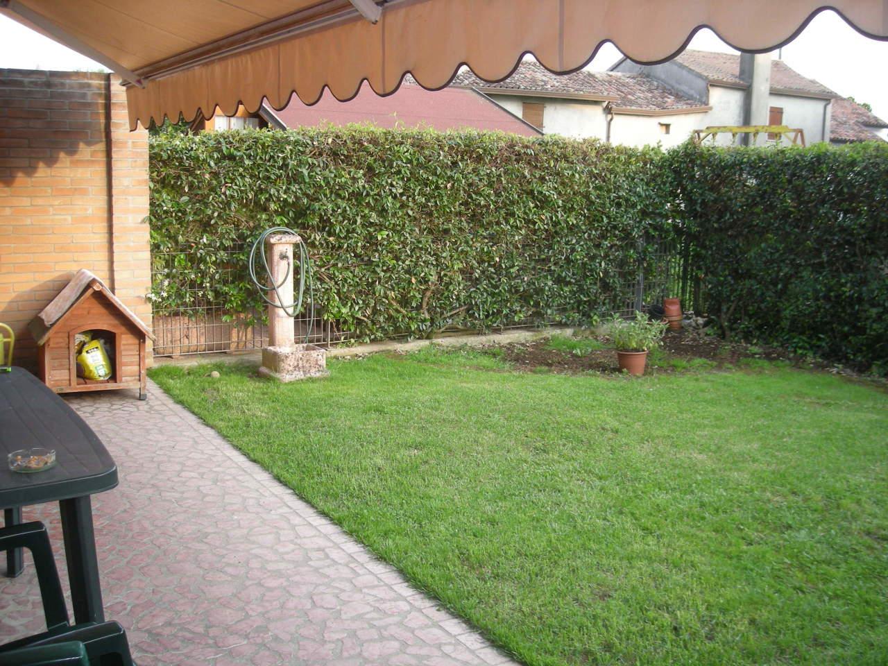 Villa a Schiera in vendita a Istrana, 5 locali, prezzo € 180.000 | CambioCasa.it