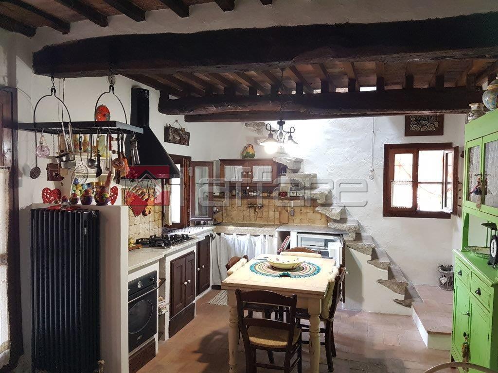 Rustico / Casale in Vendita a Palaia