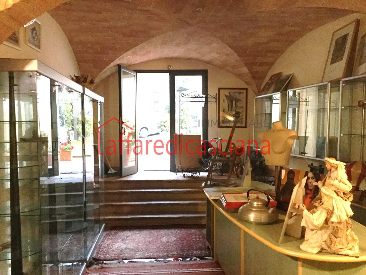 Negozio / Locale in vendita a Chianni, 2 locali, prezzo € 135.000 | CambioCasa.it